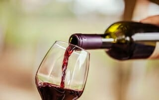 pouring-a-glass-of-red-wine